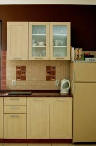 kuchnia z odmalowaną ścianą