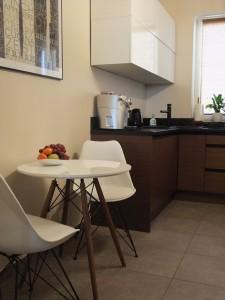 1-stól śniadaniowy - nowa funkcja i więcej przestrzeni